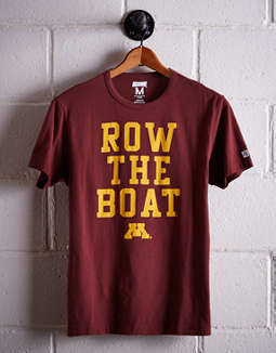 Tailgate Men's Minnesota Row The Boat T-Shirt