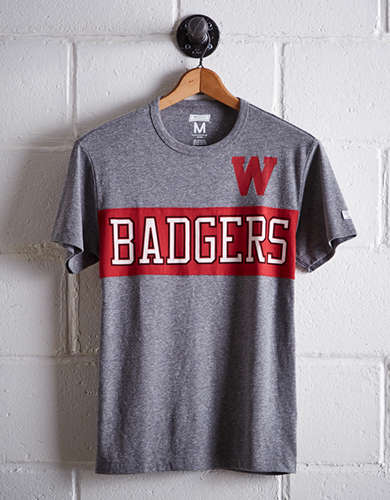 Tailgate Men's Wisconsin Colorblock T-Shirt - Free Shipping + Free Returns