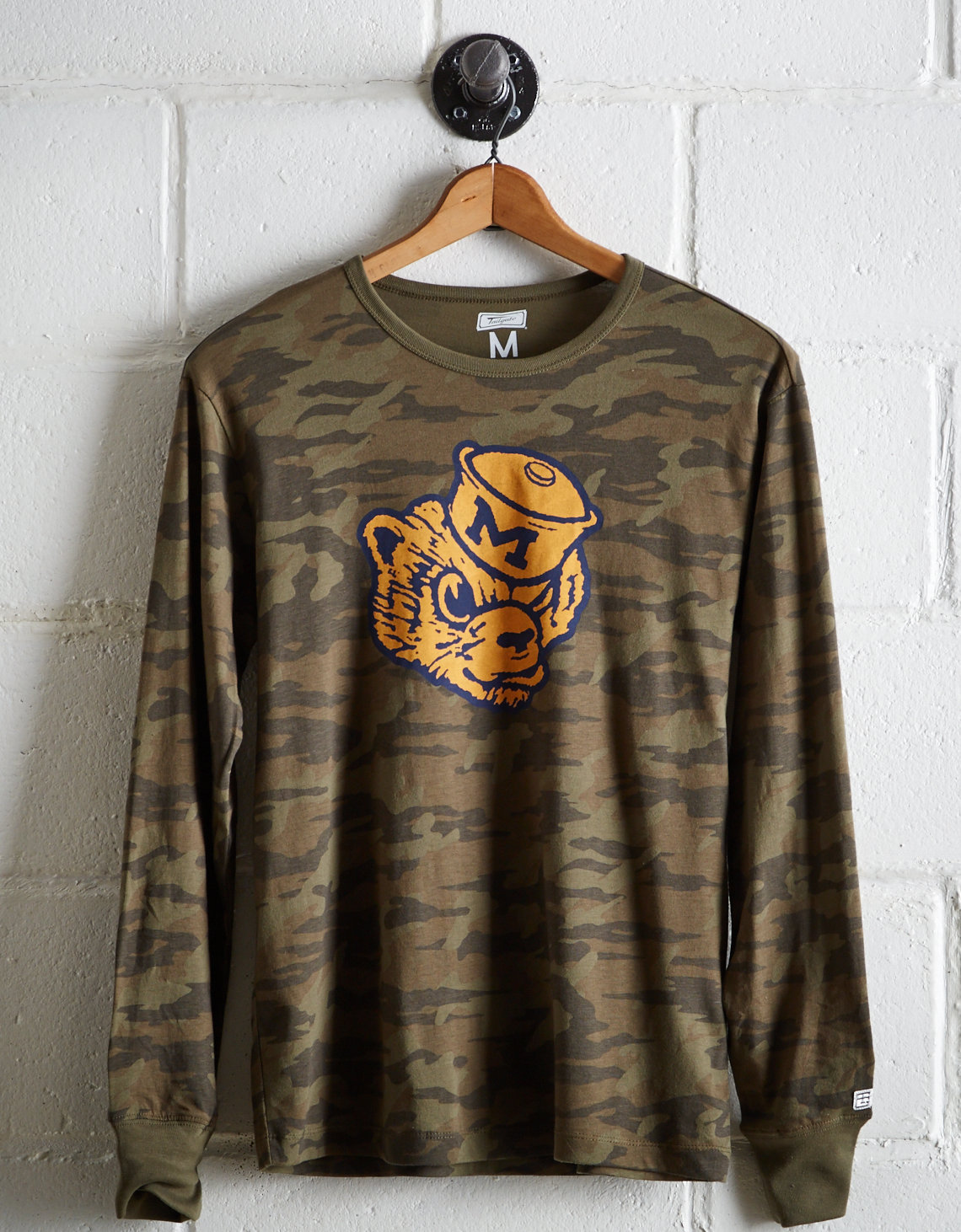 Tailgate Men's Michigan Camo Long Sleeve Tee