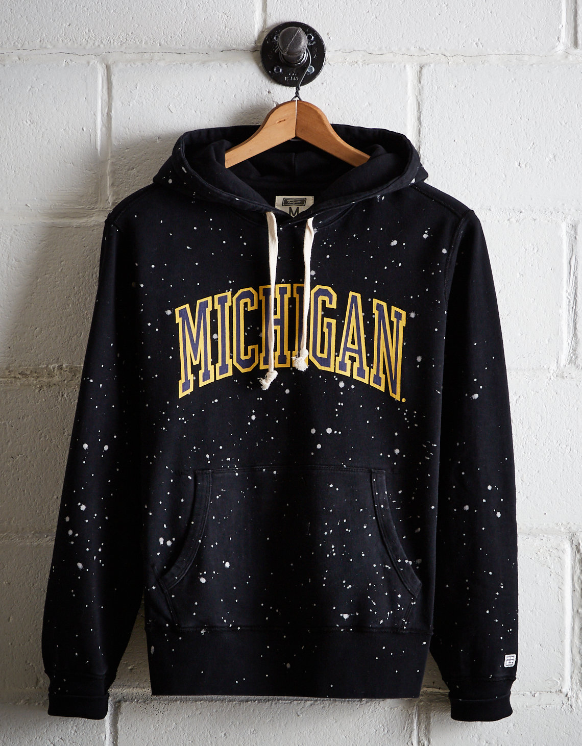 f7b3c880fe Tailgate Men's Michigan Splatter Fleece Hoodie
