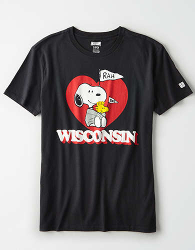 Tailgate x Peanuts Women's Wisconsin Badgers T-Shirt