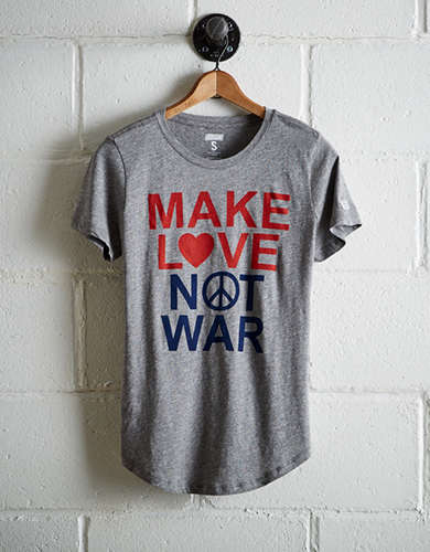 Tailgate Women's Make Love Not War T-Shirt - Free Returns
