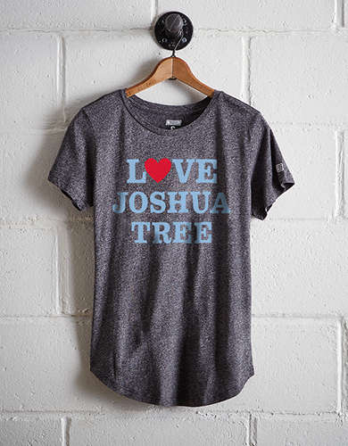 Tailgate Women's Joshua Tree T-Shirt - Free Returns