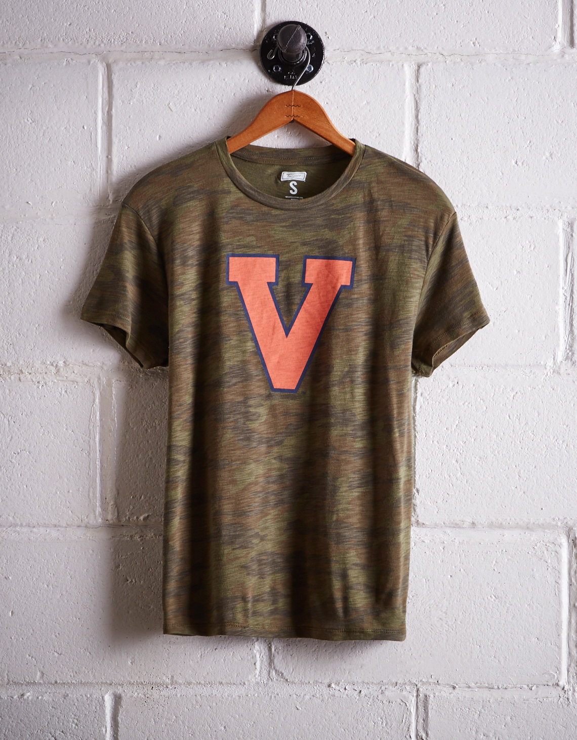 Tailgate Women's Virginia Camo Boyfriend Tee