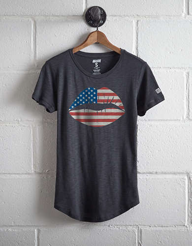 Tailgate Women's Americana Lips T-Shirt - Free Shipping + Free Returns