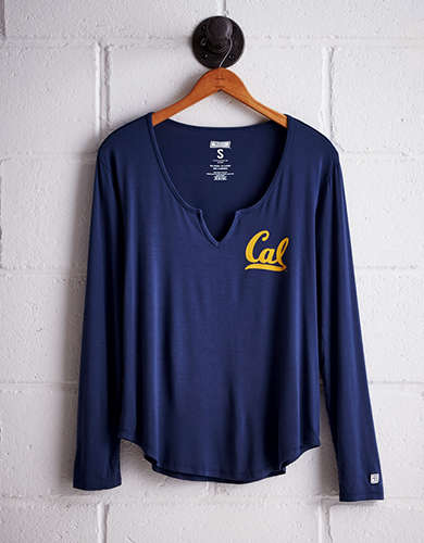 Tailgate Women's California Split Neck T-Shirt - Free Returns