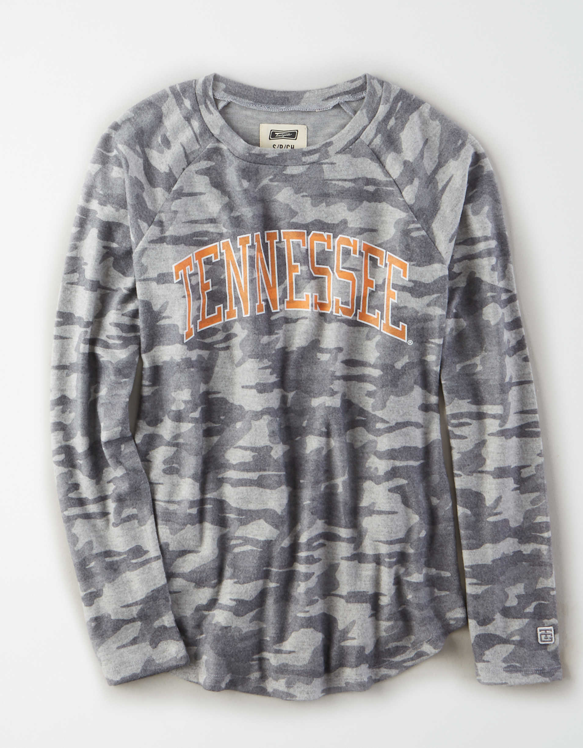 Tailgate Women's Tennessee Volunteers Plush Camo Shirt
