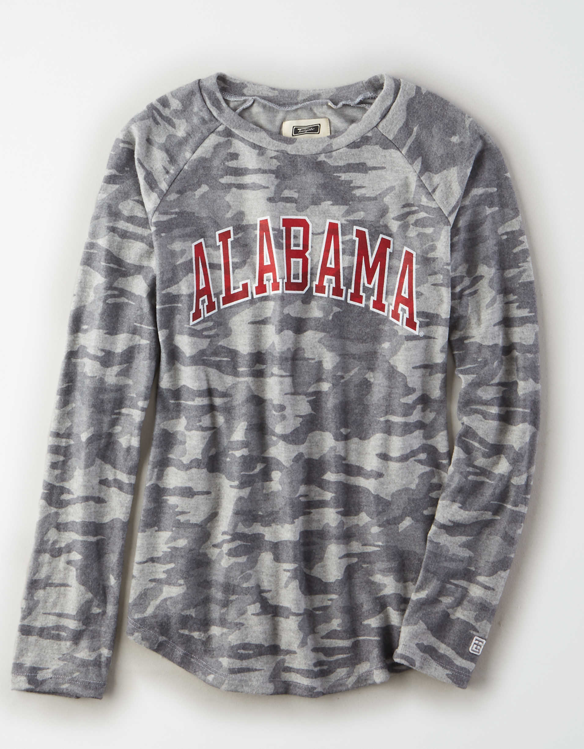Tailgate Women's Alabama Crimson Tide Plush Camo Shirt