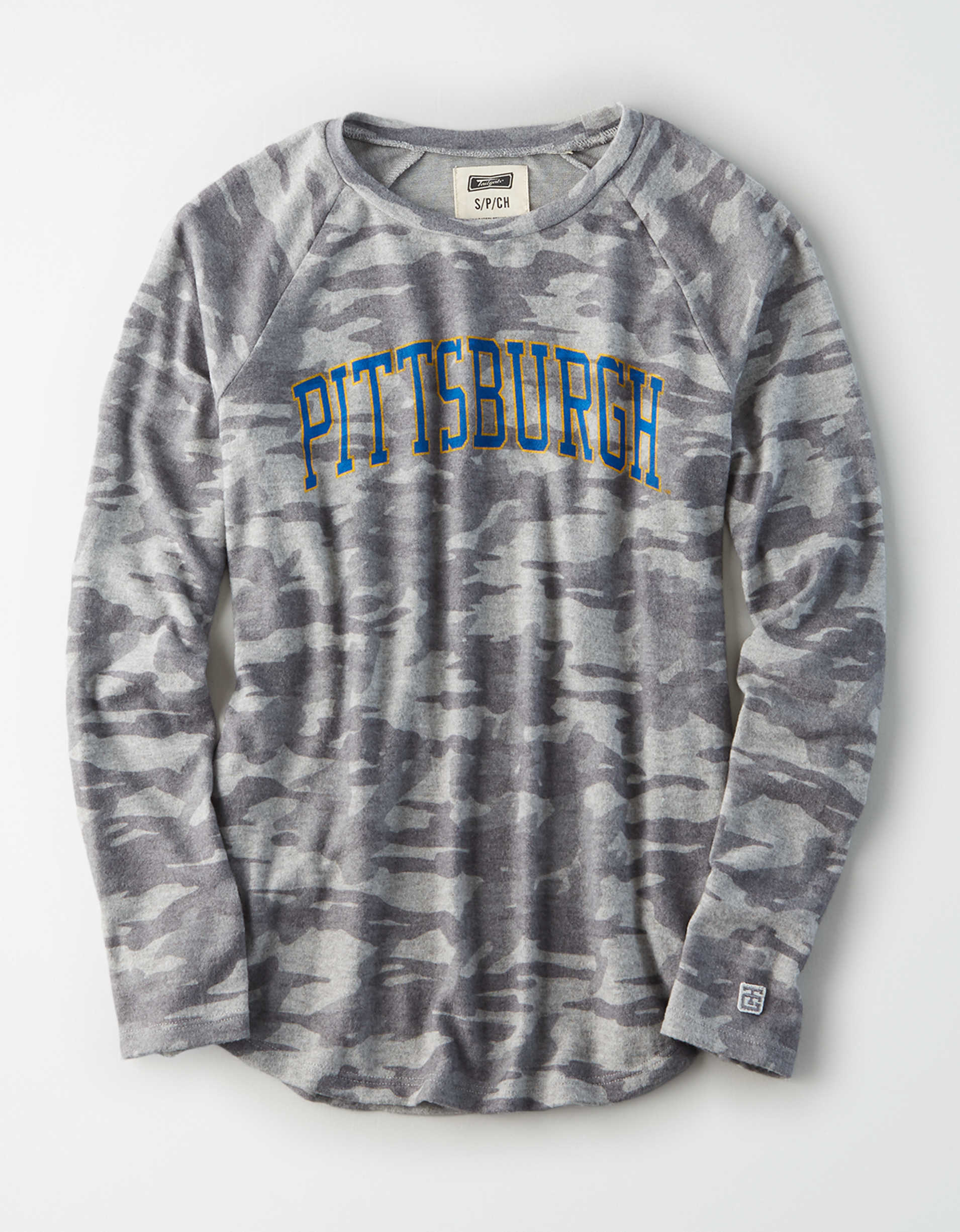 Tailgate Women's Pitt Panthers Plush Camo Shirt