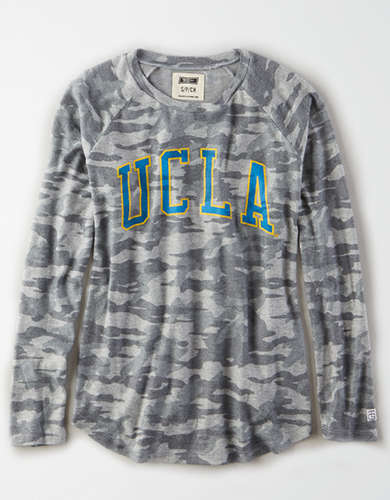 Tailgate Women's UCLA Bruins Plush Camo Shirt