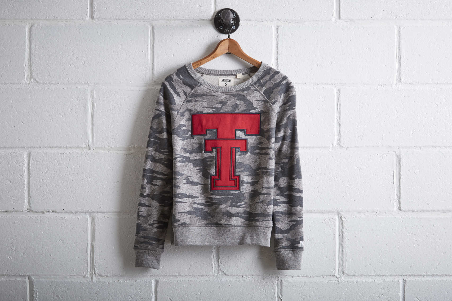 Tailgate Women's Texas Tech Camo Sweatshirt