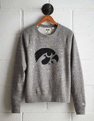Tailgate Women's Iowa Boyfriend Sweatshirt - Free returns