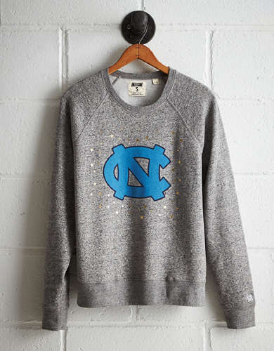 Tailgate Women's UNC Boyfriend Sweatshirt - Free returns