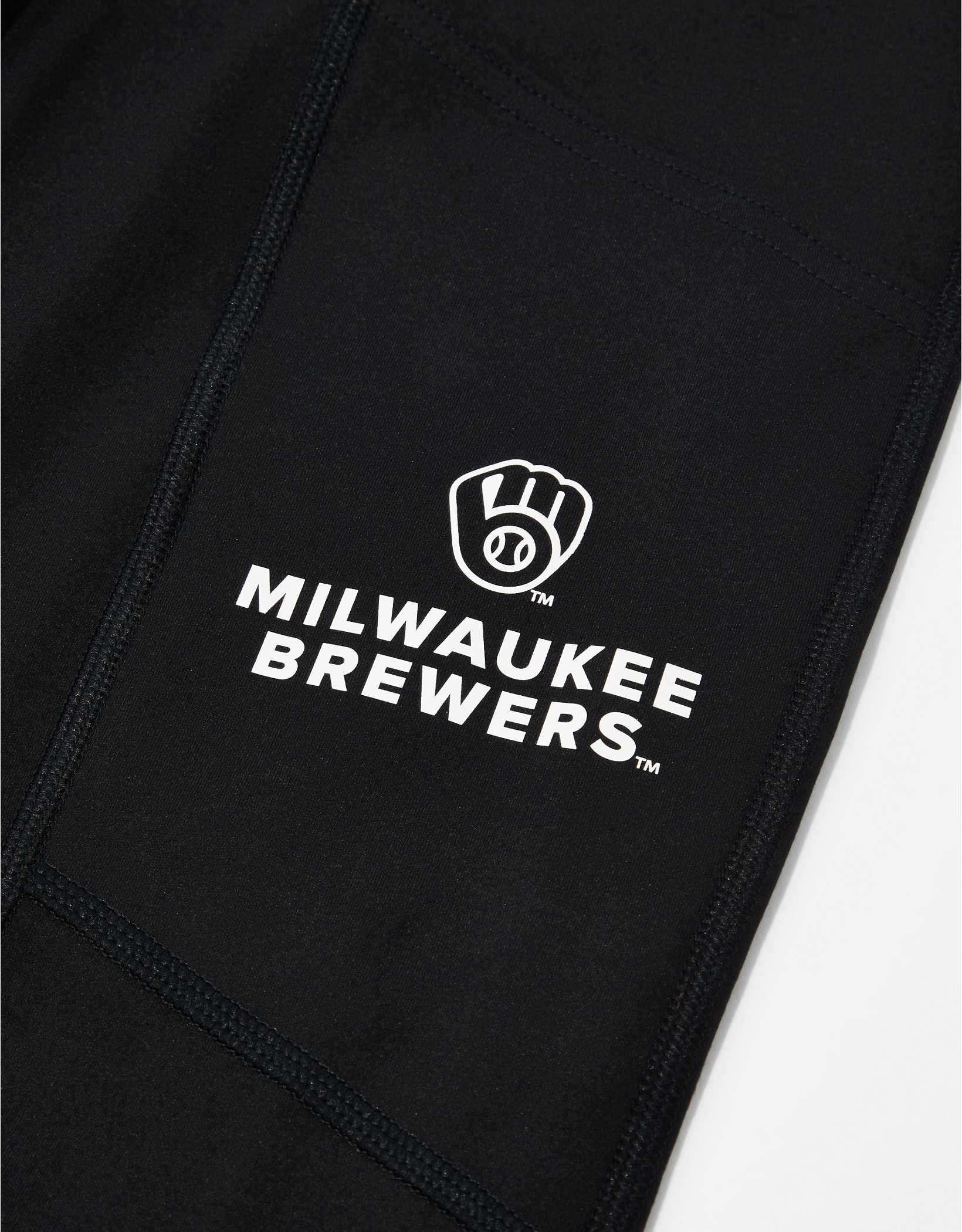 Tailgate Women's Milwaukee Brewers Everything Pocket Legging