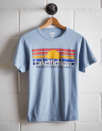 Tailgate Men's Chicago Lake Michigan T-Shirt - Free Returns
