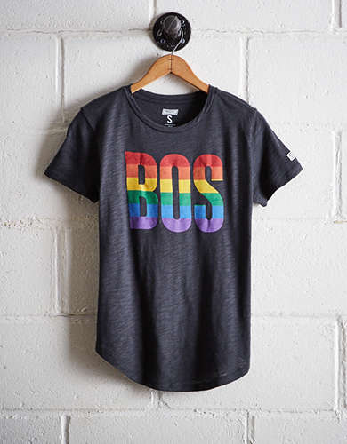 Tailgate Women's Boston Rainbow T-Shirt - Free Returns