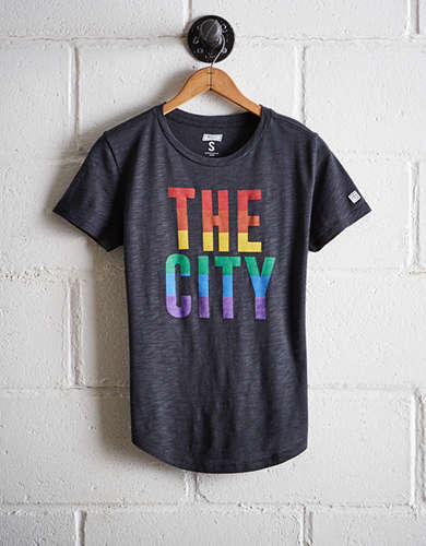 Tailgate Women's The City Rainbow T-Shirt - Free Returns