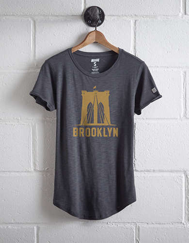 Tailgate Women's Brooklyn Bridge T-Shirt -
