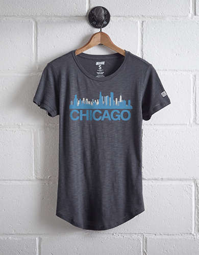 Tailgate Women's Chicago Skyline T-Shirt -