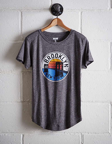 Tailgate Women's Brooklyn Bridge T-Shirt - Free Returns