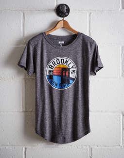 Tailgate Women's Brooklyn Bridge T Shirt by American Eagle Outfitters