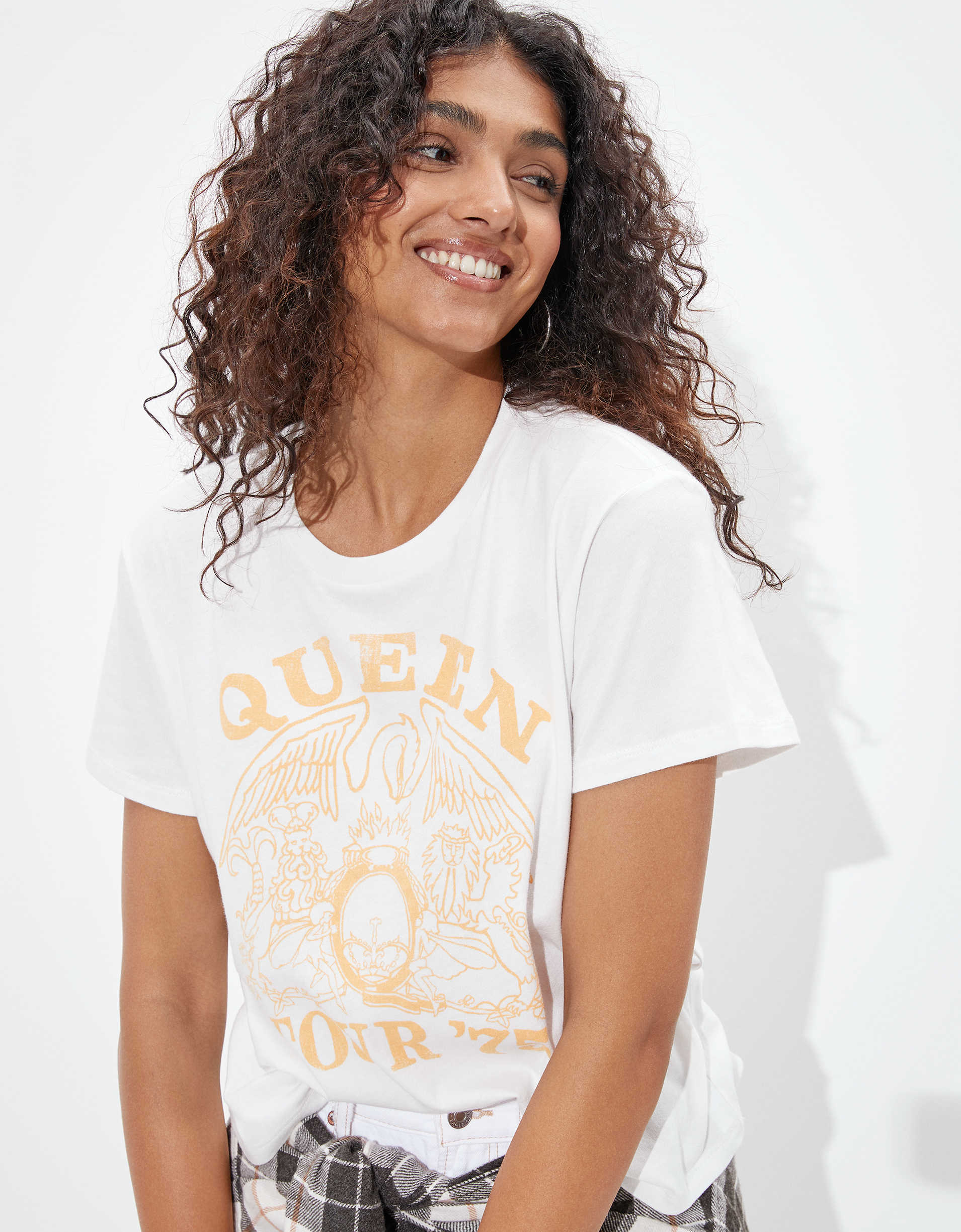 Tailgate Women's Queen Graphic T-Shirt