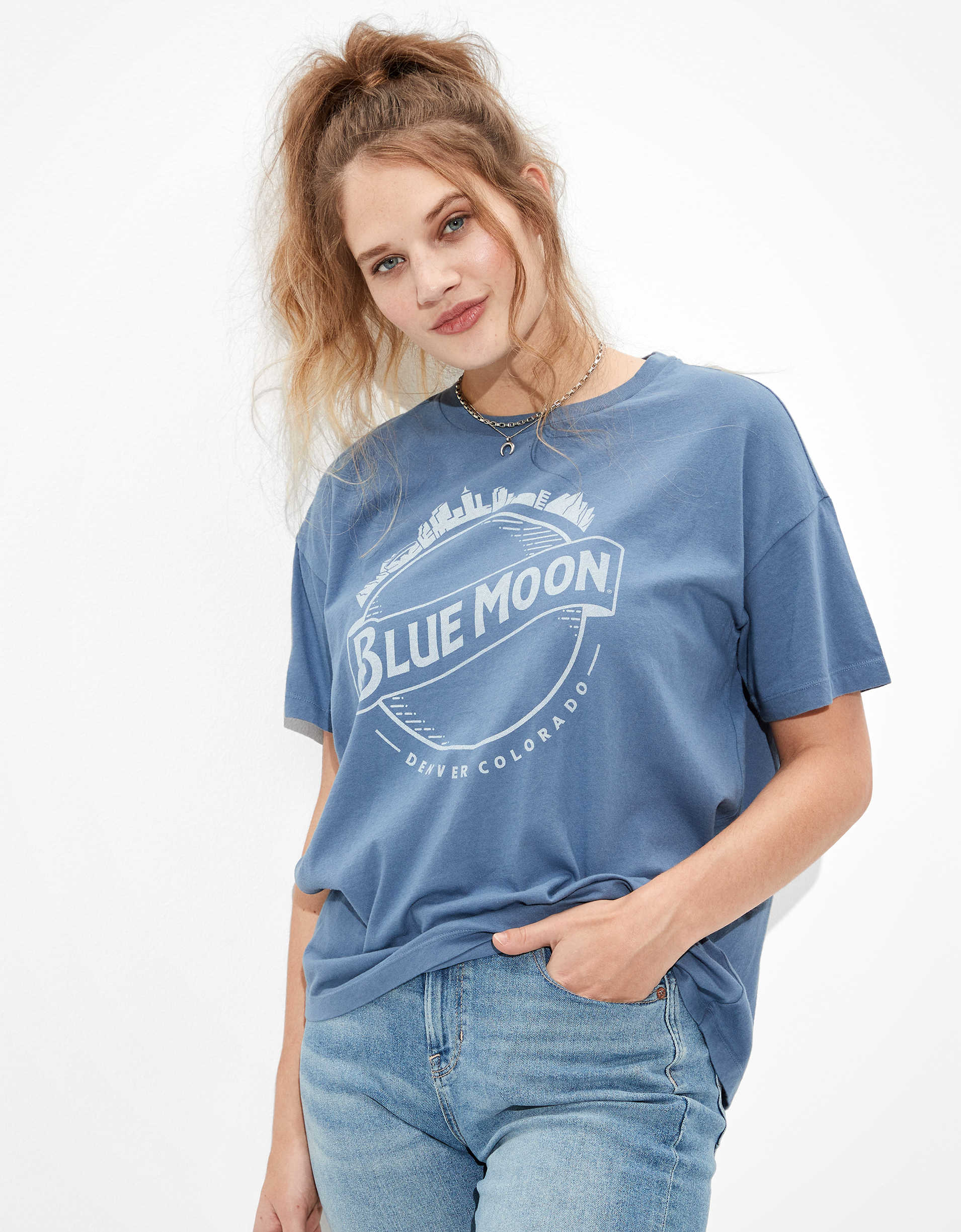 Tailgate Women's Blue Moon Oversized Graphic T-Shirt