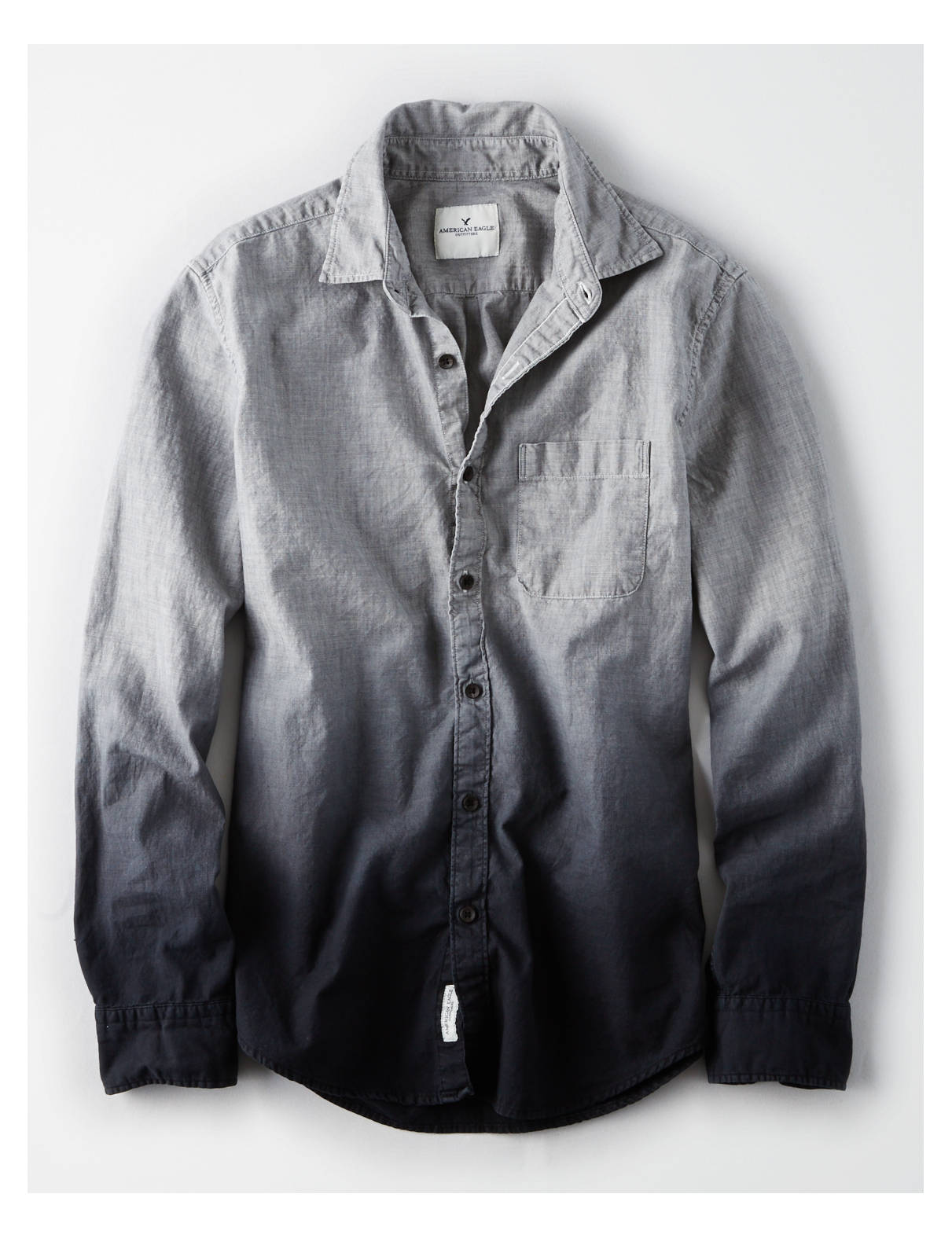 Display product reviews for AE Dip Dye Chambray Shirt