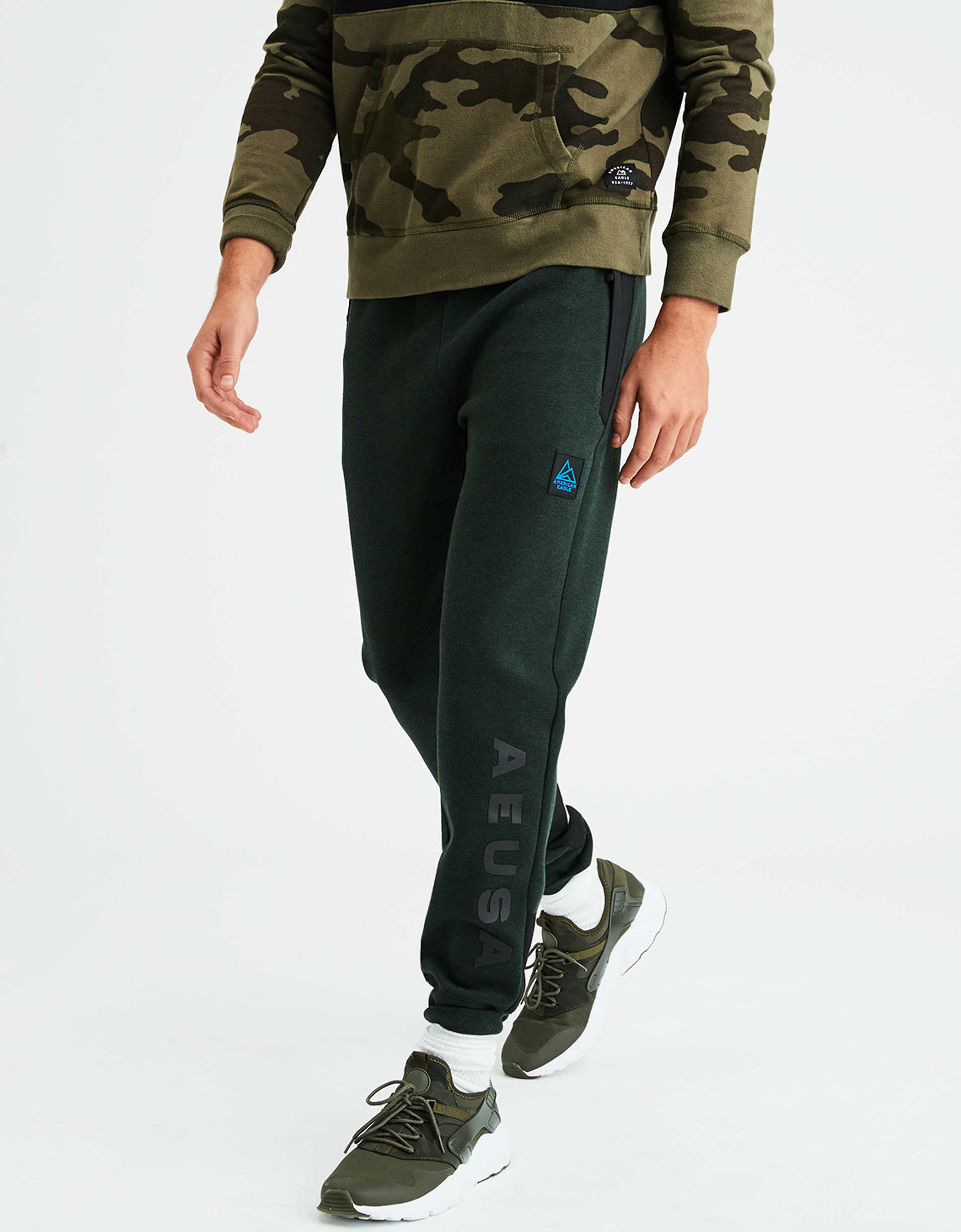 AE Mixed Fabric Fleece Jogger Pant