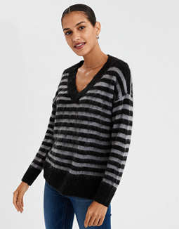 AE V Neck Eyelash Pullover Sweater