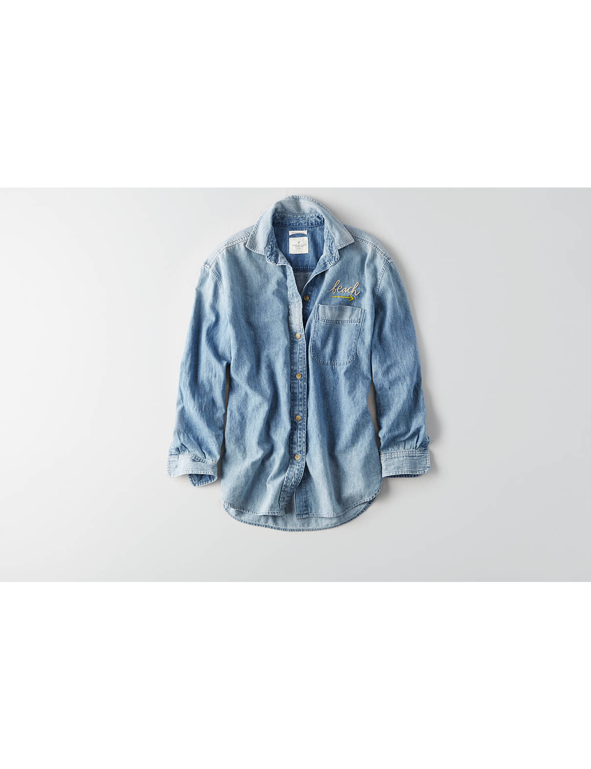 Display product reviews for AEO Embroidered Oversized Denim Shirt