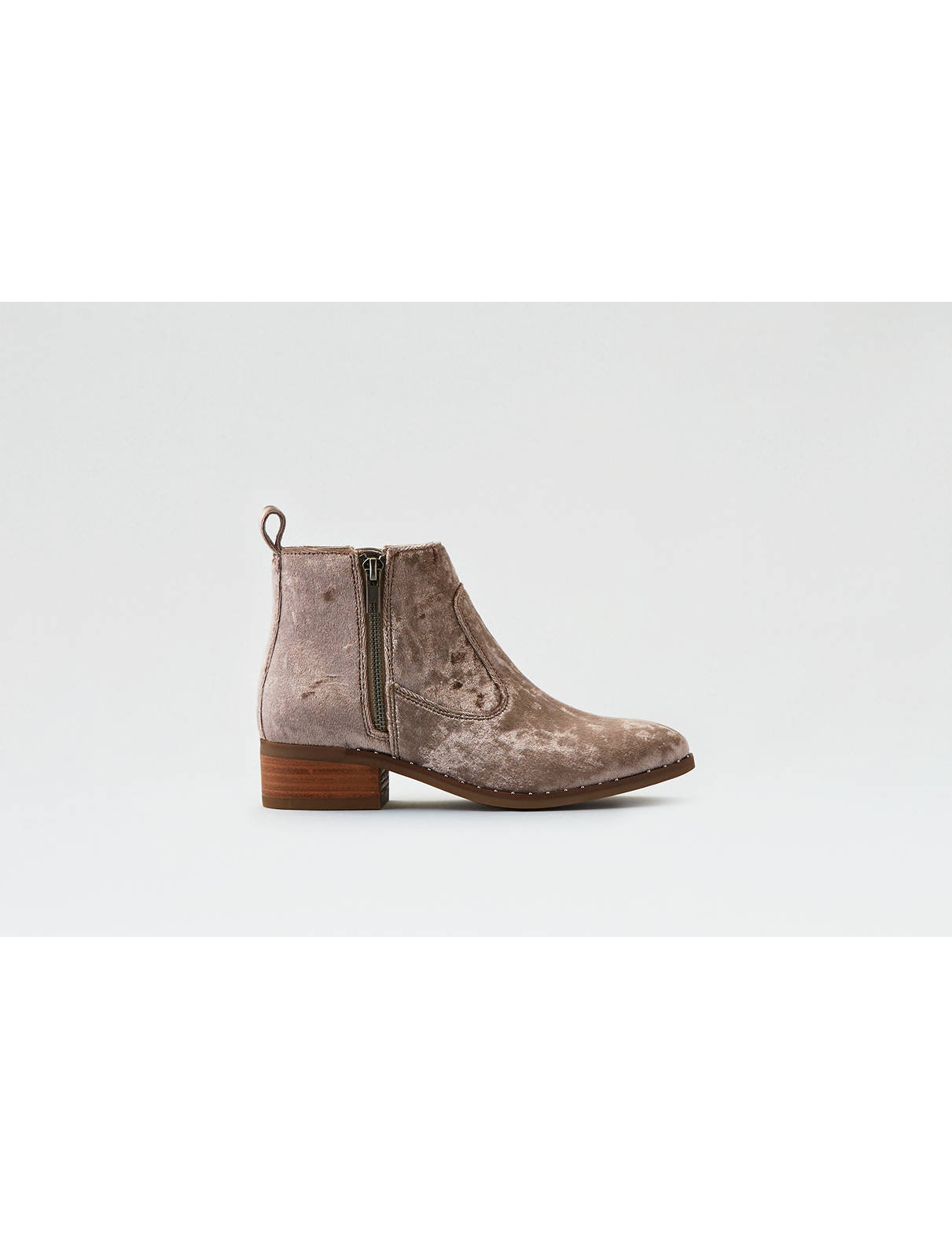 Display product reviews for AEO Velvet Flat Bootie