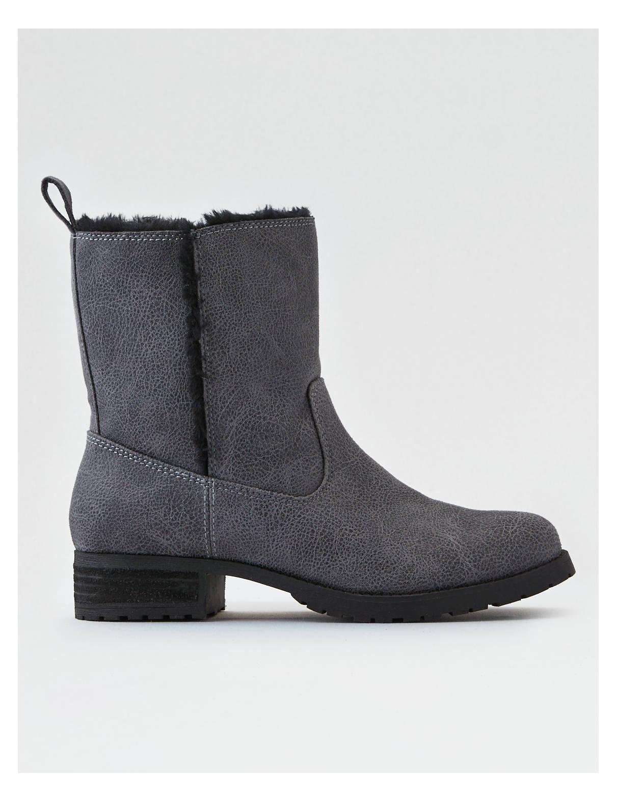 Display product reviews for AEO Fur Lug Boot