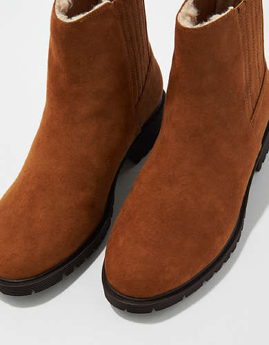 AE Fur Lined Chelsea Boot