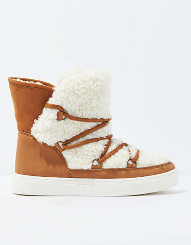 AEO Lace Up Winter Boot