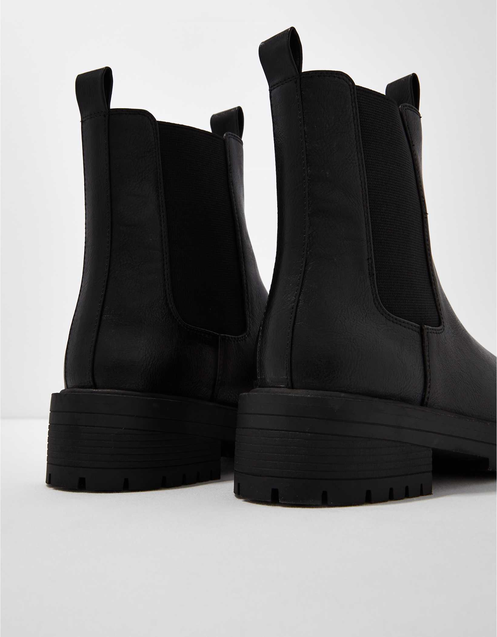 AE Tall Chelsea Boot