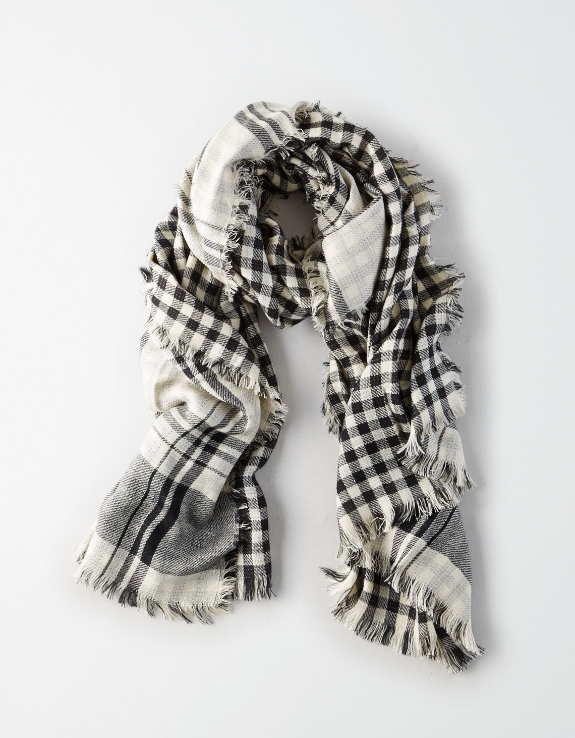 This is one of the best websites to find plaid scarves for women!
