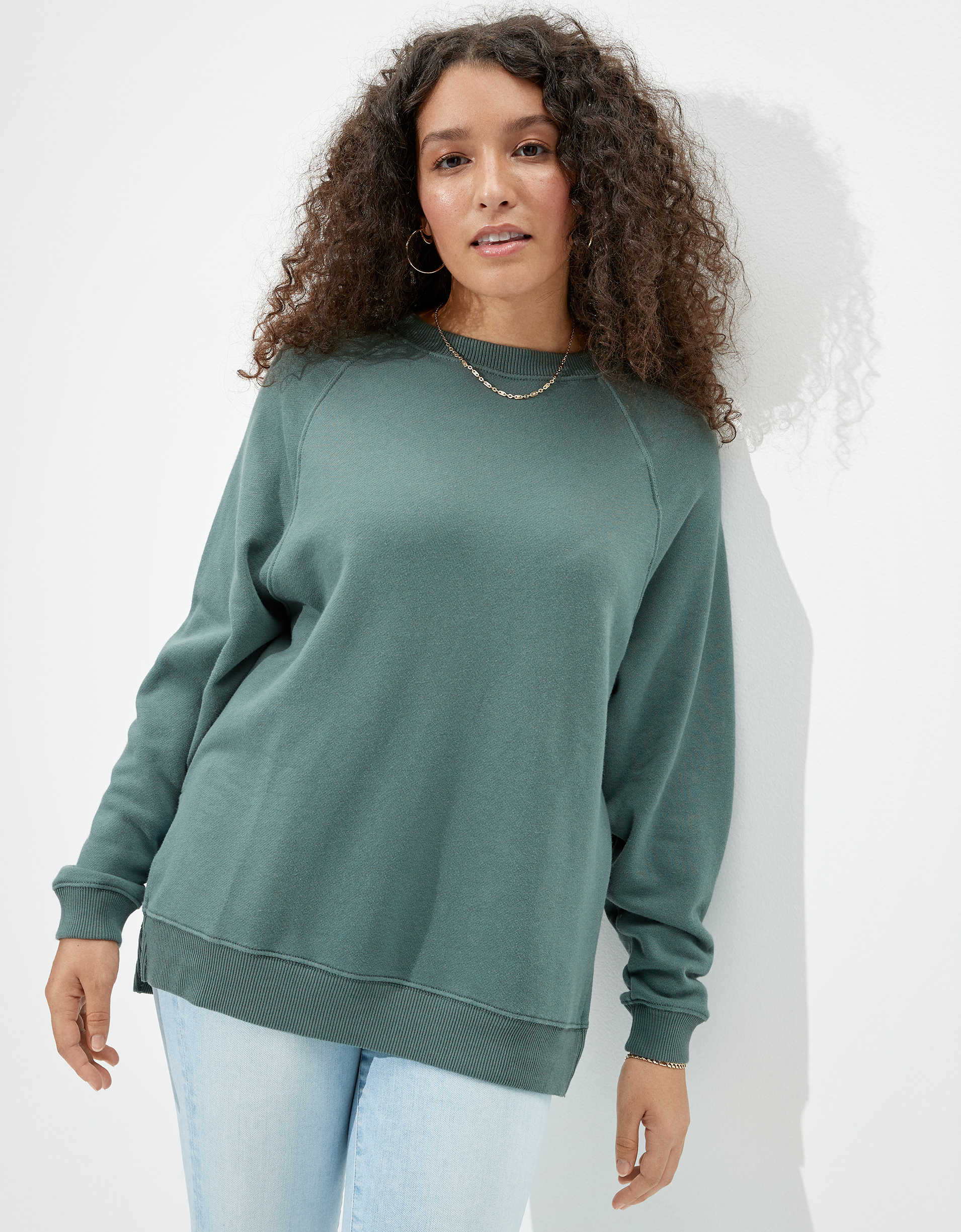 AE Fleece Oversized Crew Sweatshirt