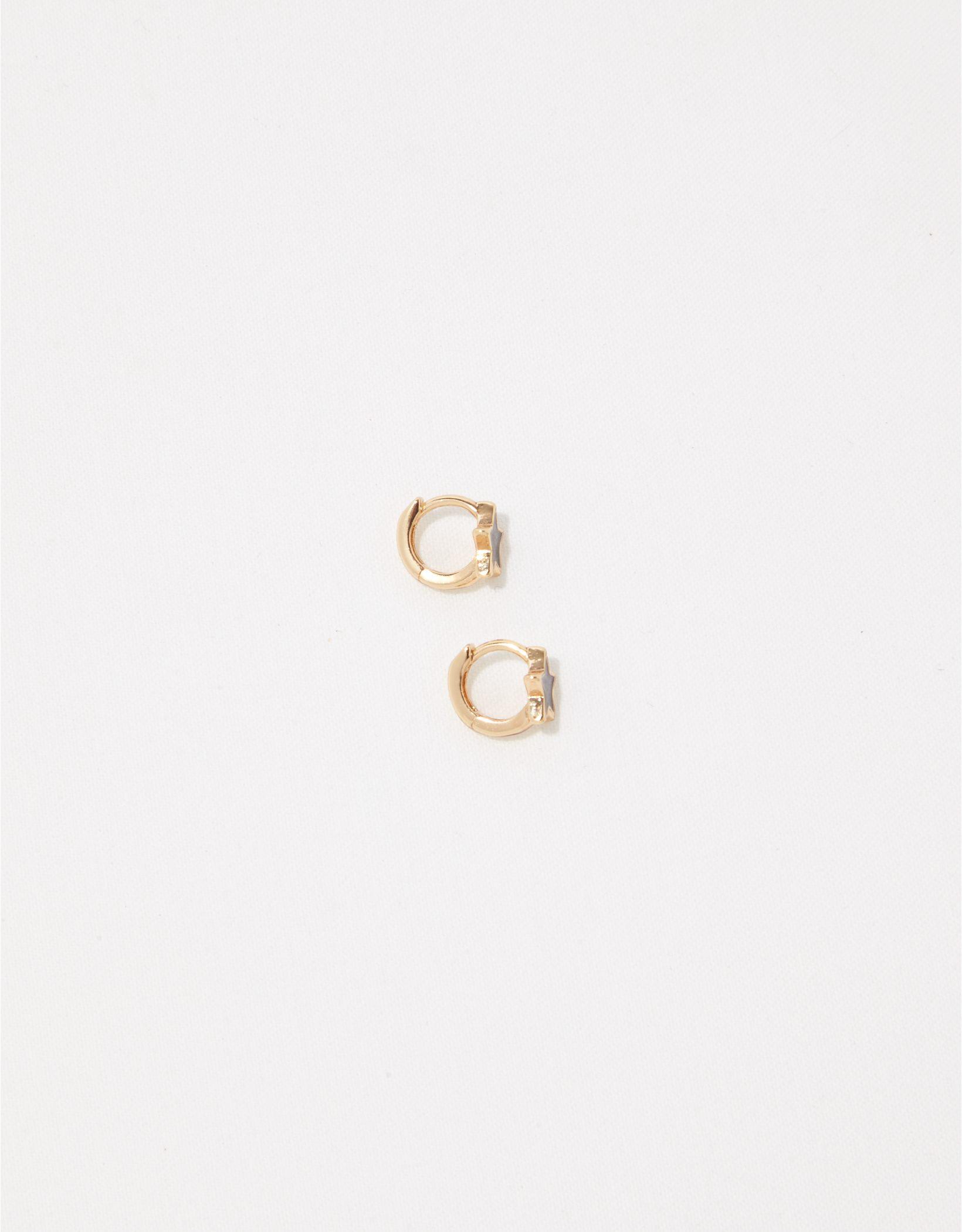 Aerie Enamel Star Huggie Earrings