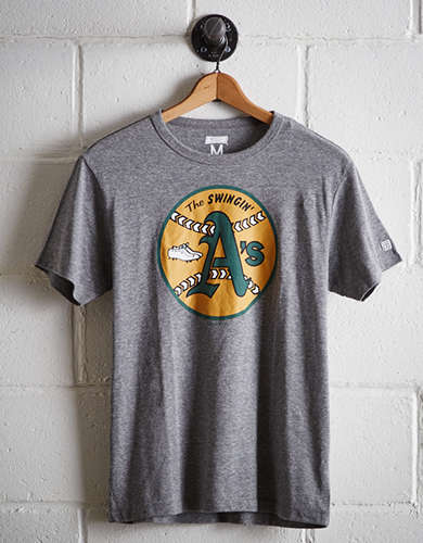 Tailgate Men's Oakland Swingin' A's T-Shirt - Free Returns