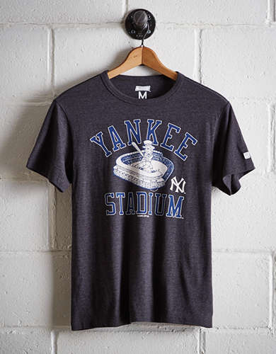 Tailgate Men's New York Yankees Stadium T-Shirt - Free Returns