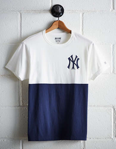 Tailgate Men's NY Yankees Color Block T-Shirt - Free Shipping + Free Returns