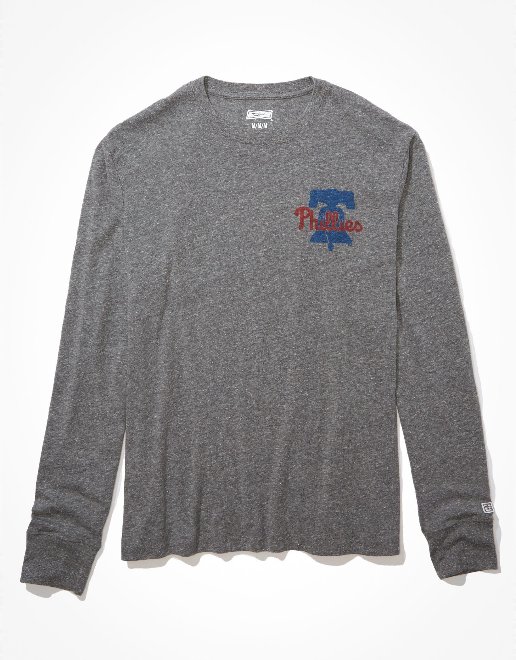 Tailgate Men's Philadelphia Phillies Long-Sleeve Graphic T-Shirt