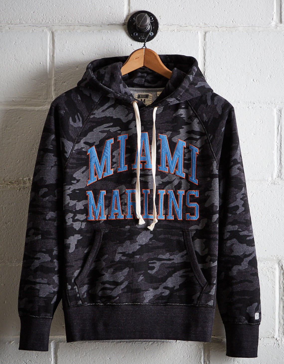 reputable site ed428 7cfd5 Tailgate Men's Miami Marlins Camo Hoodie