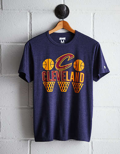 Tailgate Men's Cleveland Hoops T-Shirt - Free Returns