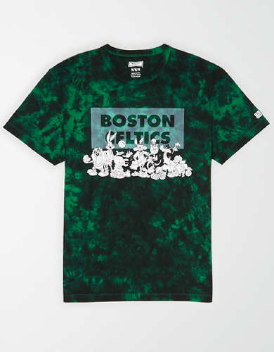 Tailgate Men's Boston Celtics x Looney Tunes Tie-Dye T-Shirt