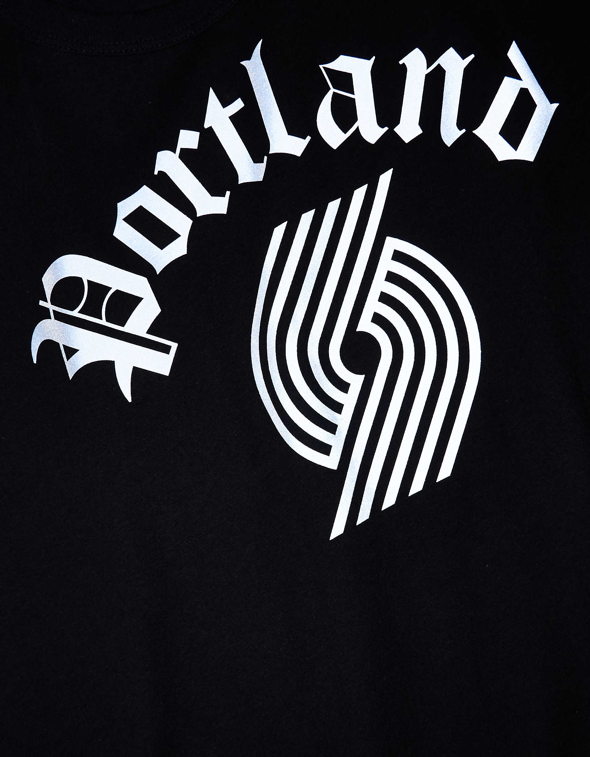 Tailgate Men's Portland Trailblazers Reflective Graphic T-Shirt