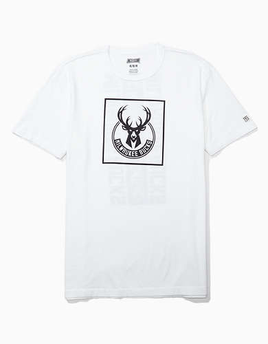 Tailgate Men's Milwaukee Bucks Graphic T-Shirt