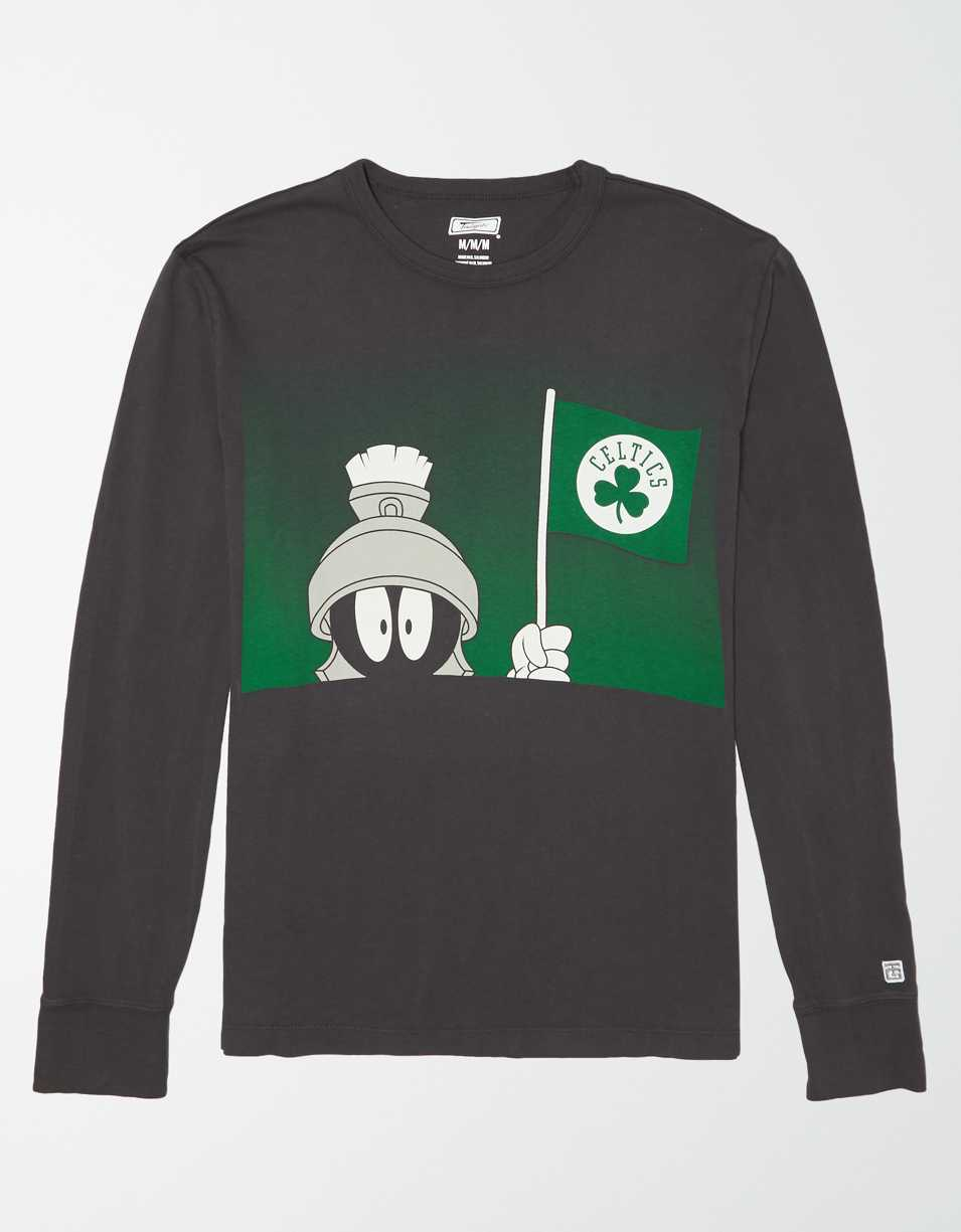 Tailgate Men's Boston Celtics x Looney Tunes Long Sleeve T-Shirt