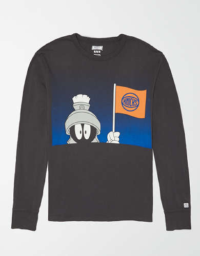 Tailgate Men's NY Knicks x Looney Tunes Long Sleeve T-Shirt